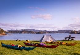 Kayaks camping